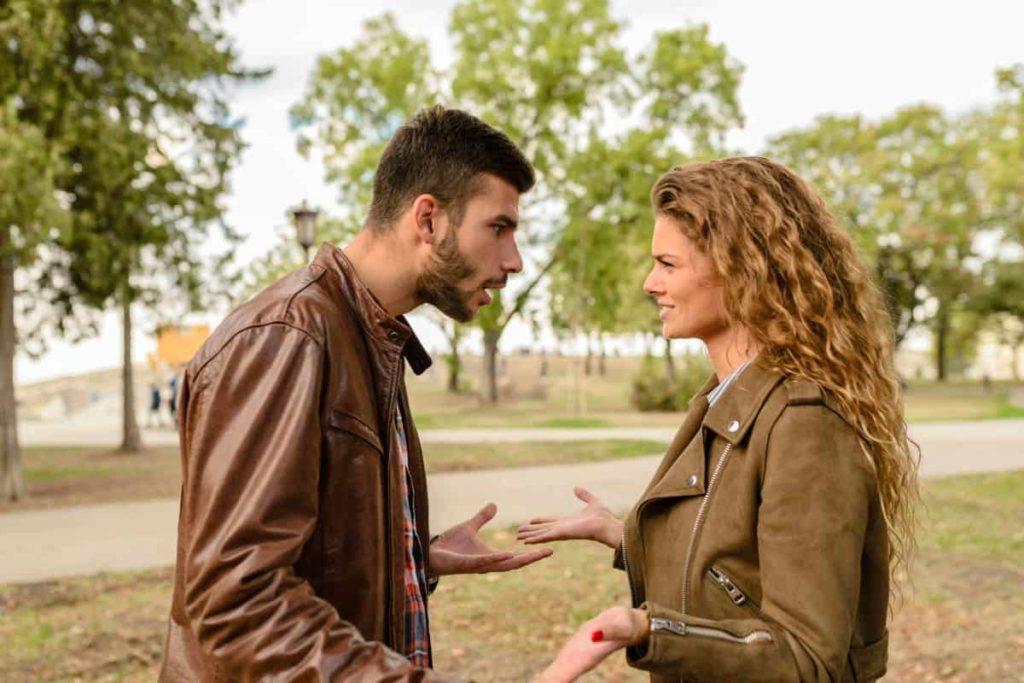 divorce signs fighting
